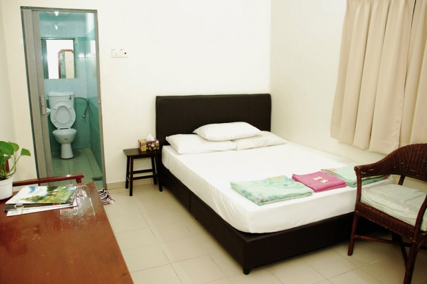 Old penang hotel trang road old penang hotel sdn bhd for Bedroom designs with attached bathroom and dressing room